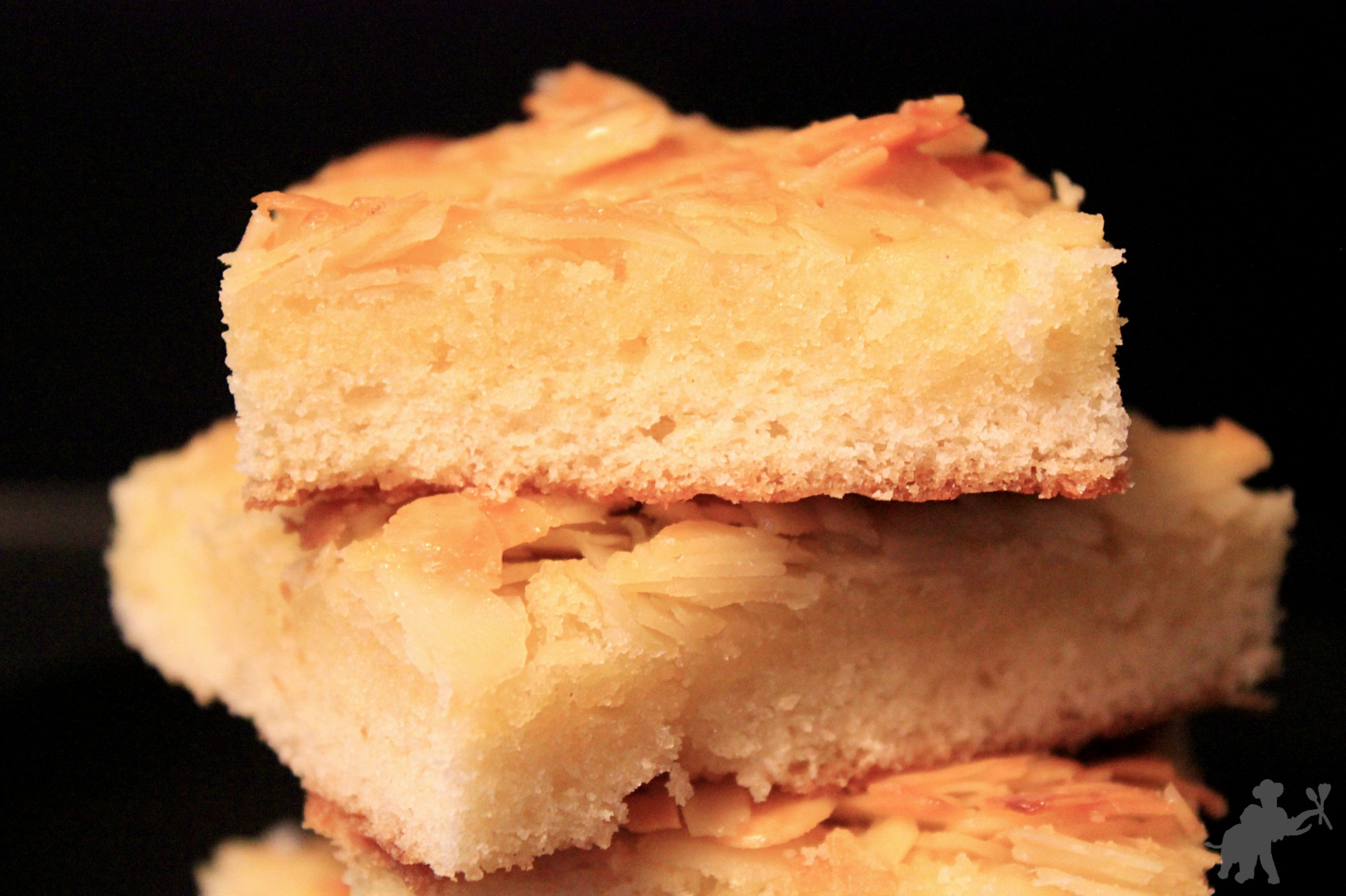 almond cream sheet cake 3
