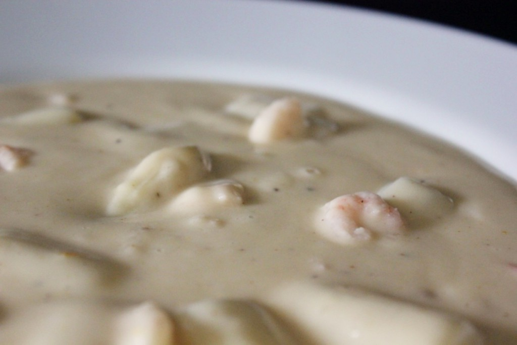 Cream of asparagus soup with shrimp - Gourmet Elephant